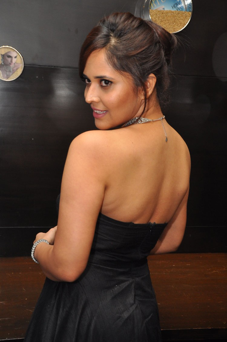 actress anasuya hot stills at winner movie pre release event southcolors 10