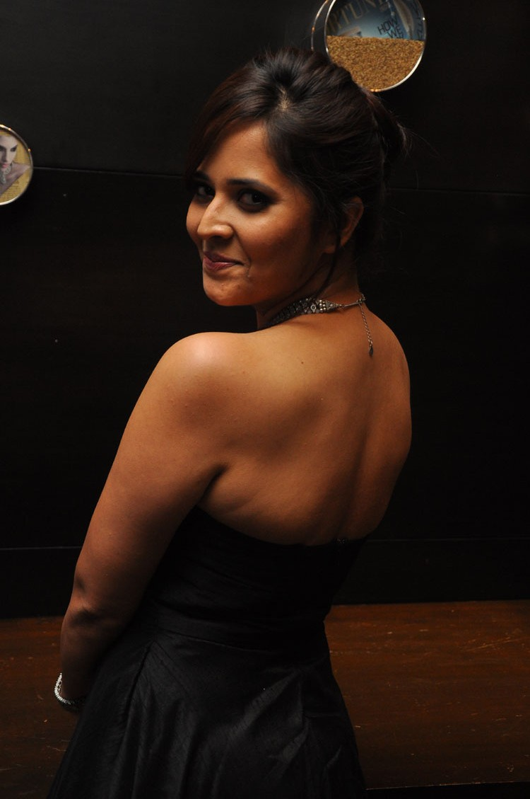 actress anasuya hot stills at winner movie pre release event southcolors 14