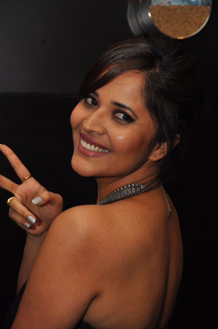 actress anasuya hot stills at winner movie pre release event southcolors 9