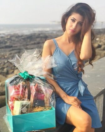 actress sonarika bhadoria hot latest photoshoot 15