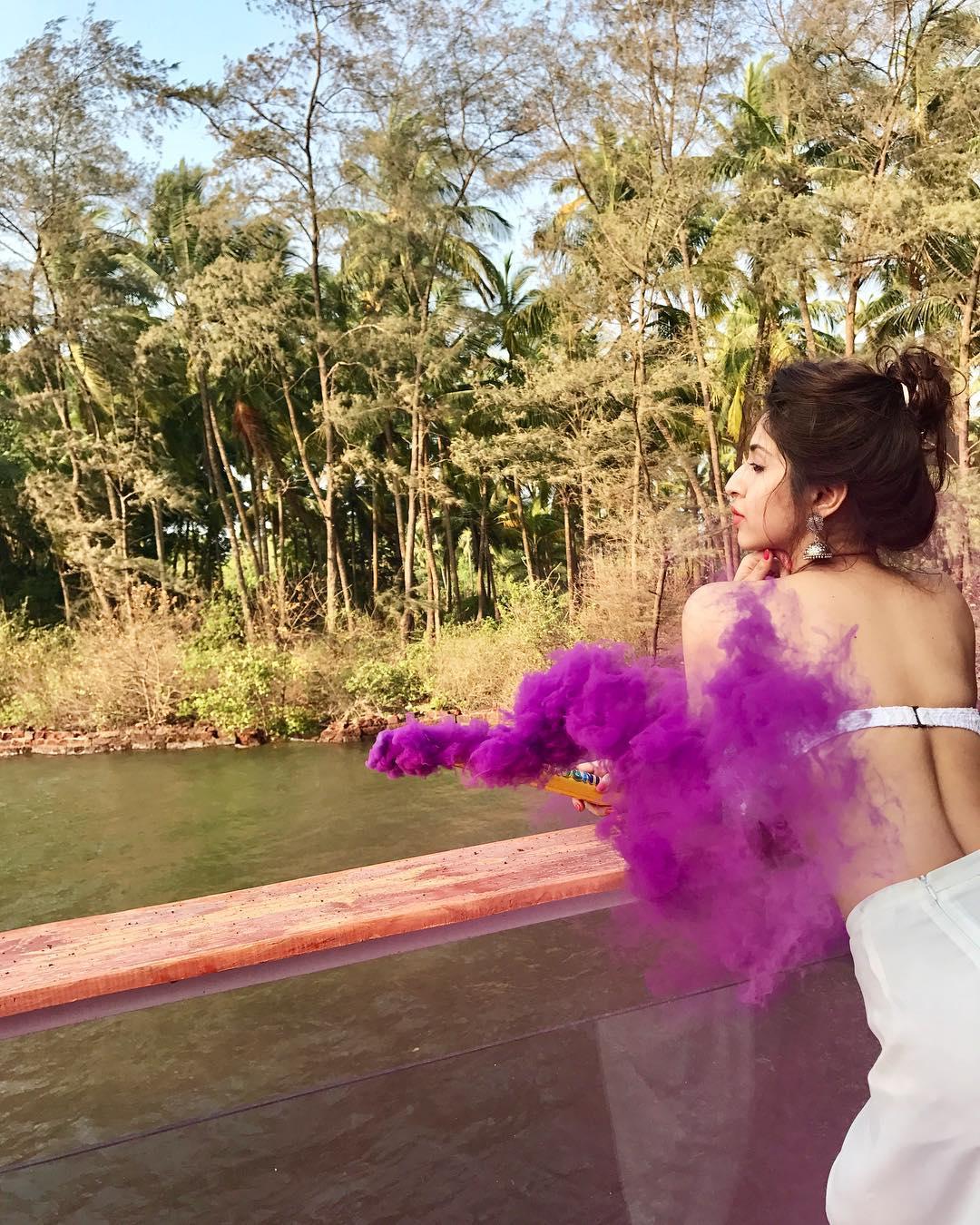 actress sonarika bhadoria hot latest photoshoot 9