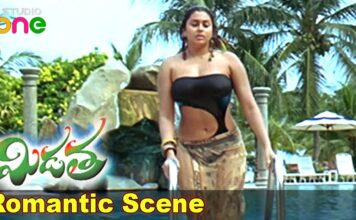 Actress Namitha Hot Bikini Swimming Scene Video