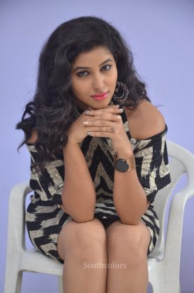 Actress pavani reddy hot stills southcolors 11