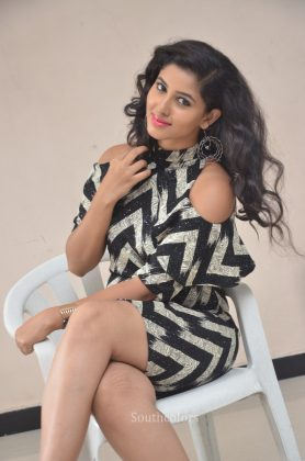 Actress pavani reddy hot stills southcolors 15