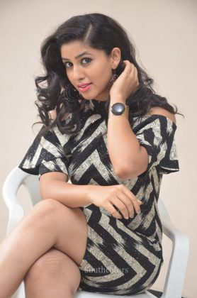Actress pavani reddy hot stills southcolors 19