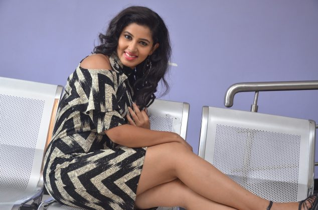 Actress pavani reddy hot stills southcolors 2