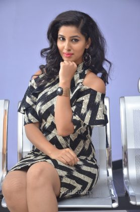 Actress pavani reddy hot stills southcolors 24