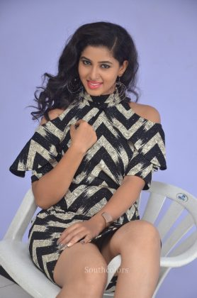 Actress pavani reddy hot stills southcolors 4
