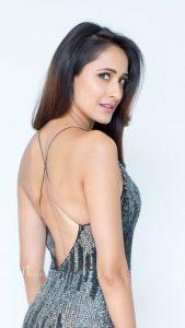 actress pragya jaiswal hot backless photos southcolors 15