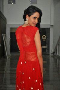 actress pragya jaiswal hot backless photos southcolors 6