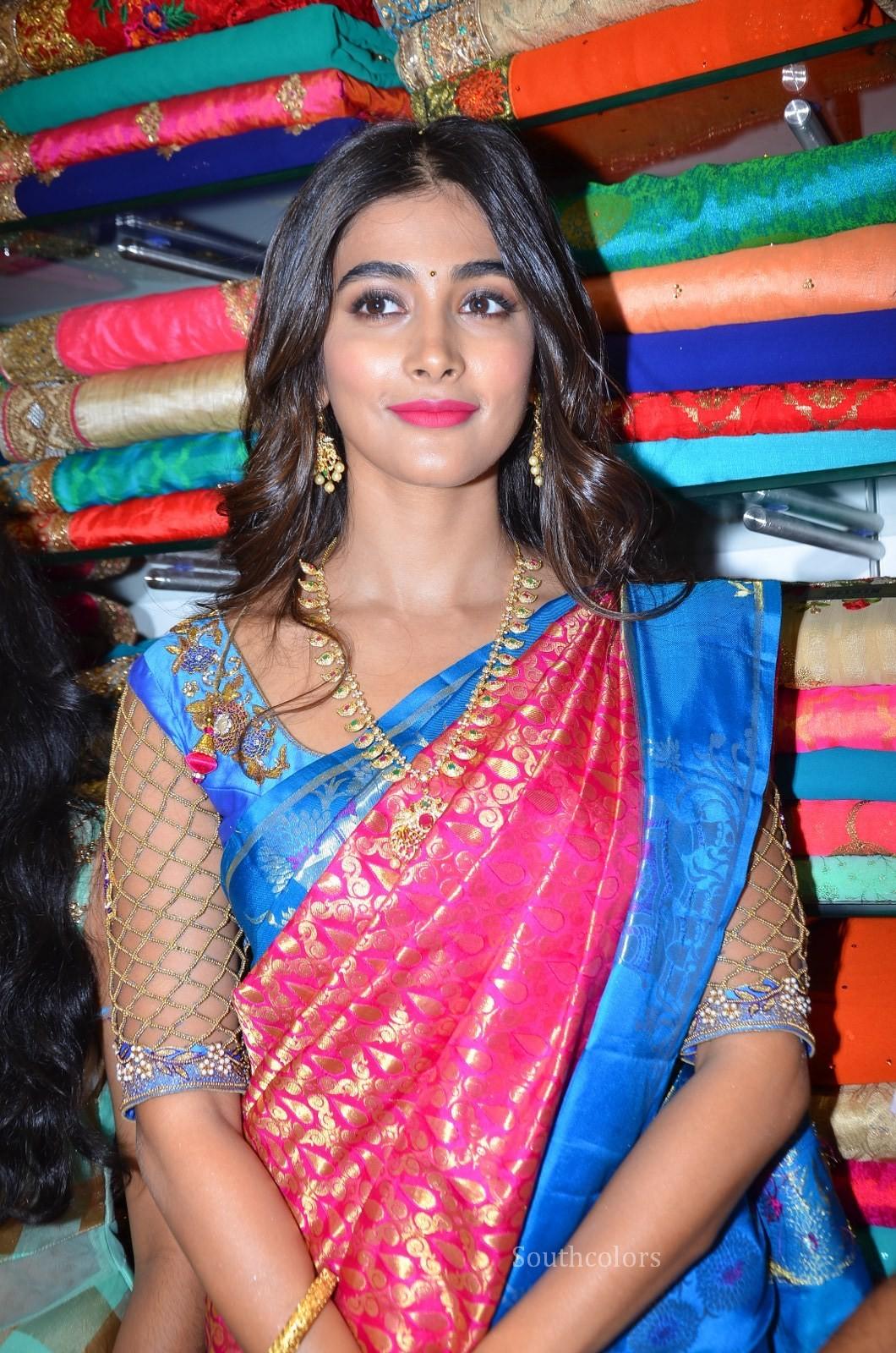 pooja hegde traditional saree photos southcolors 12
