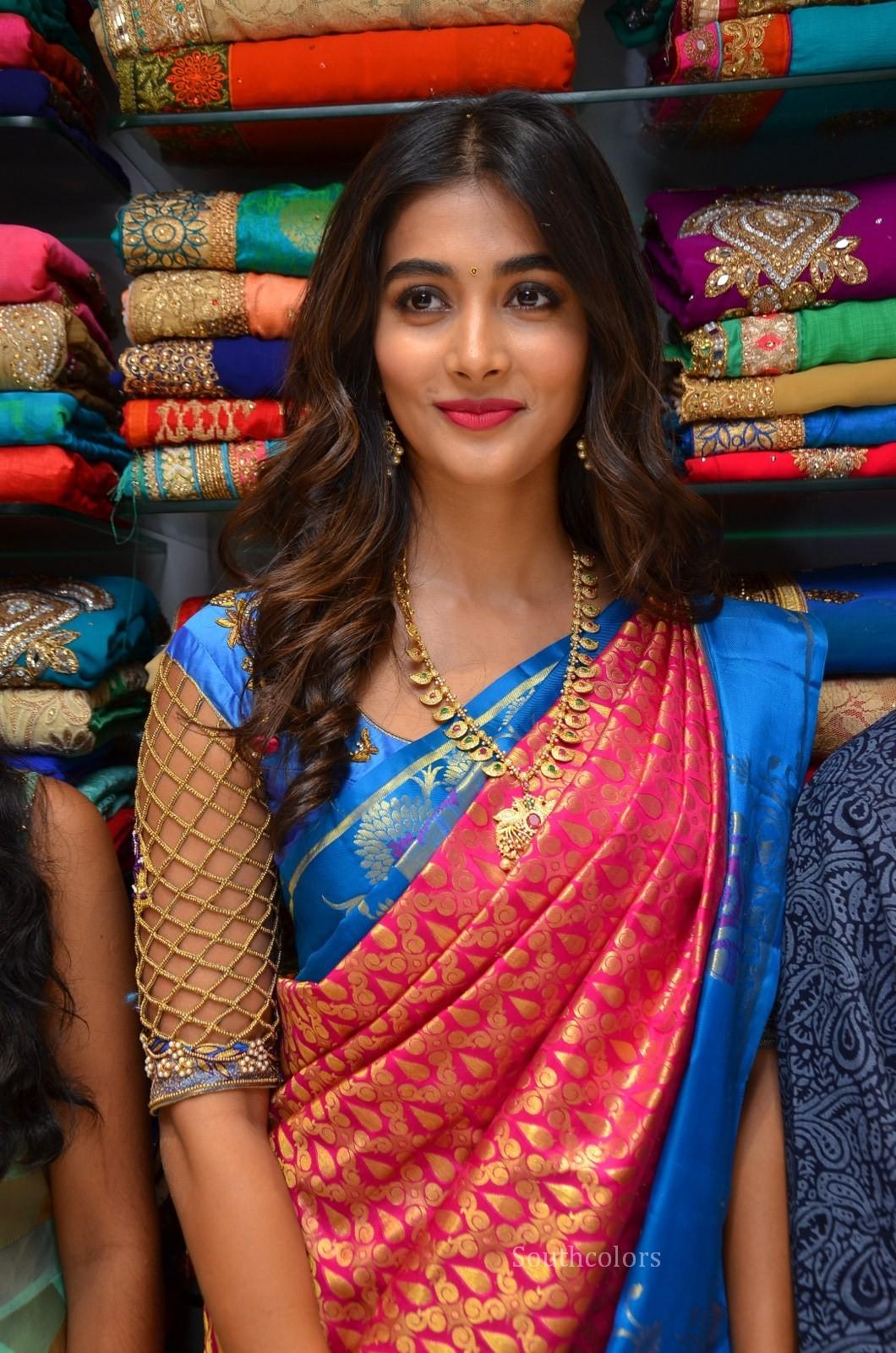 pooja hegde traditional saree photos southcolors 19