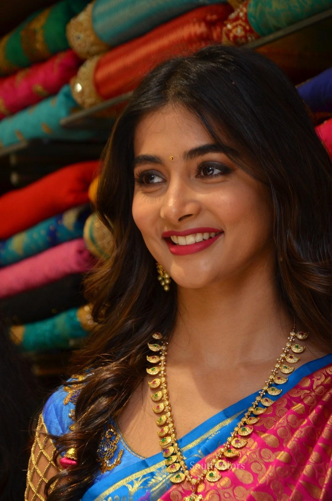 pooja hegde traditional saree photos southcolors 22