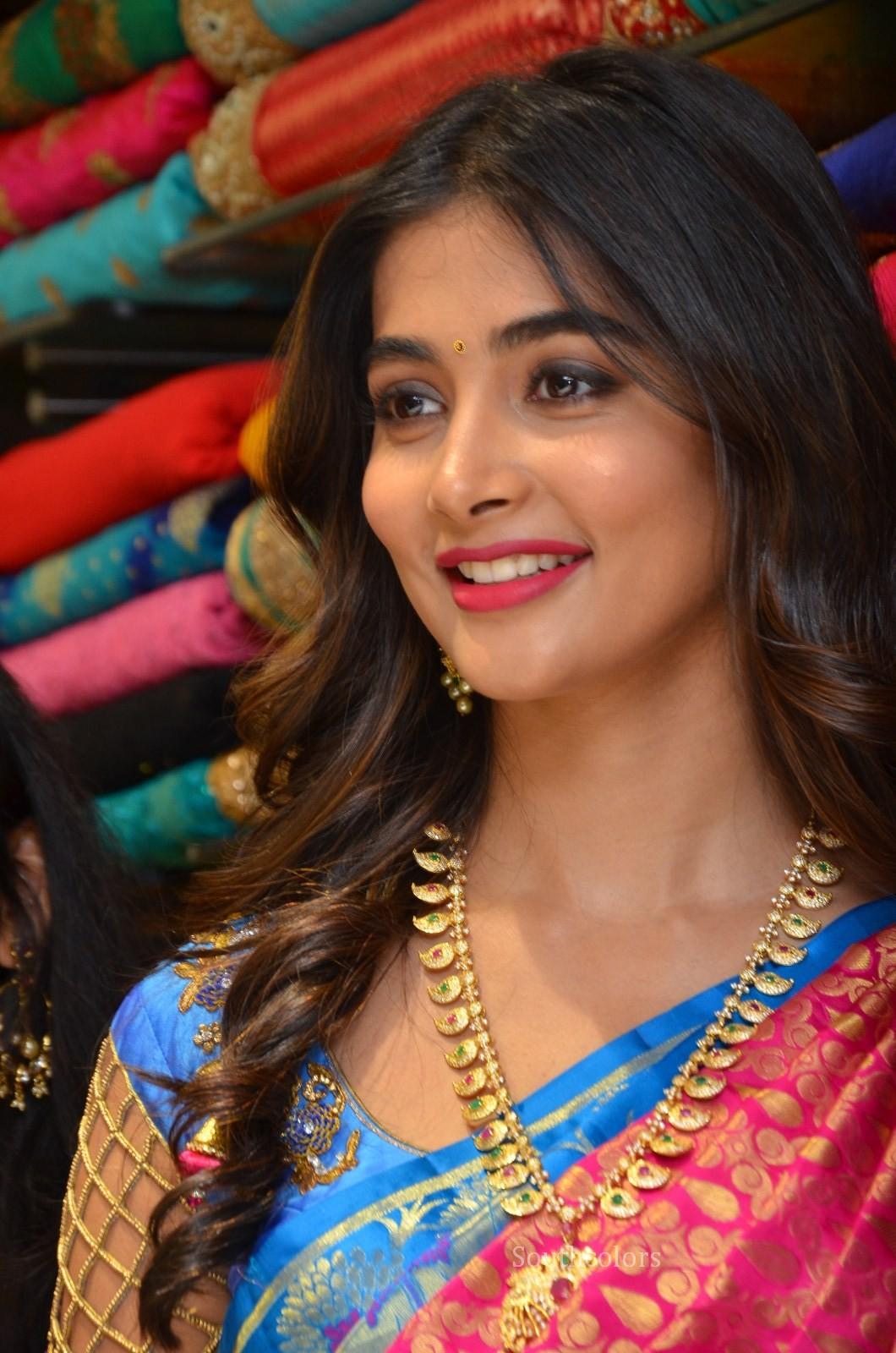 pooja hegde traditional saree photos southcolors 23