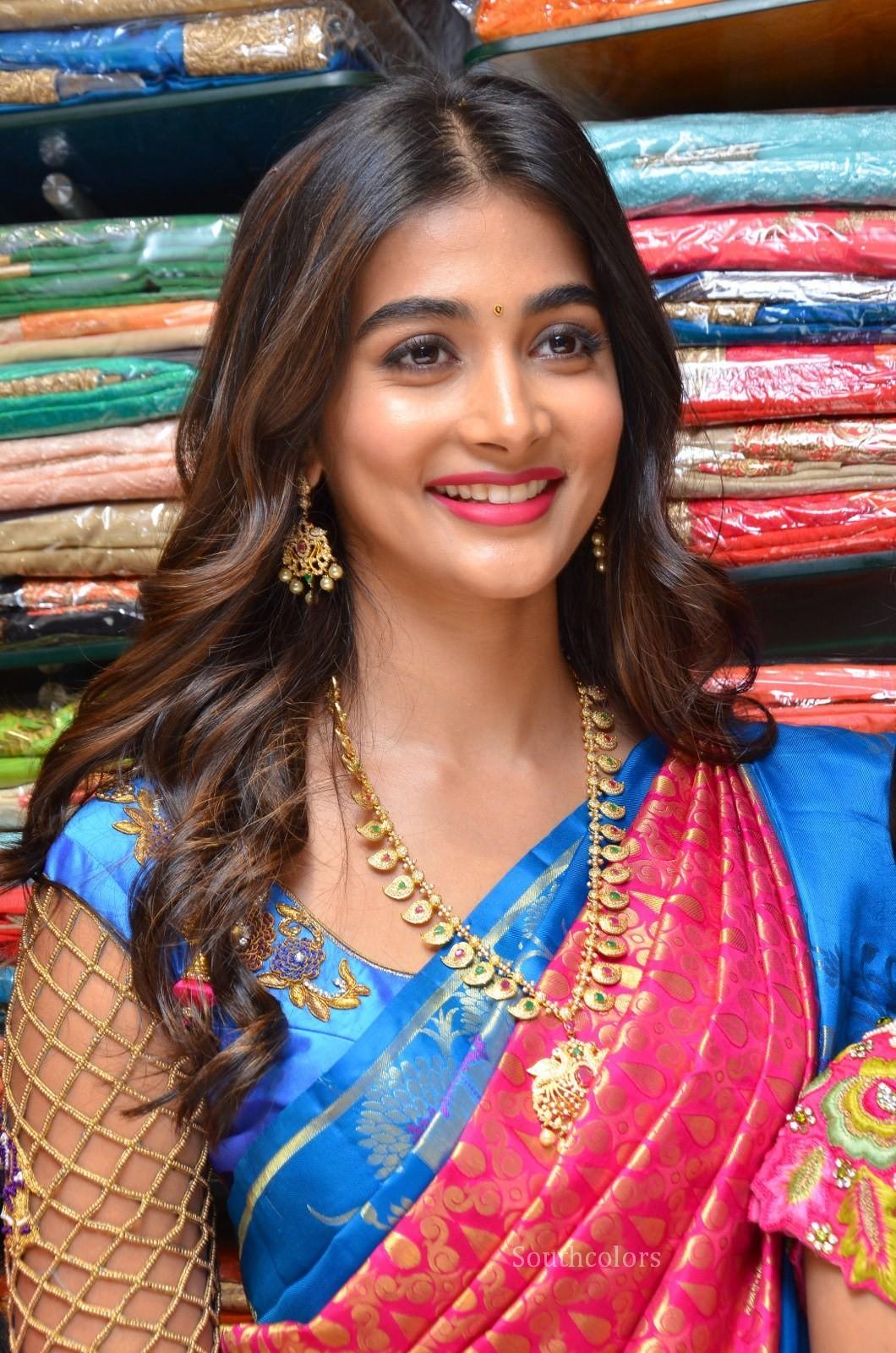 pooja hegde traditional saree photos southcolors 24