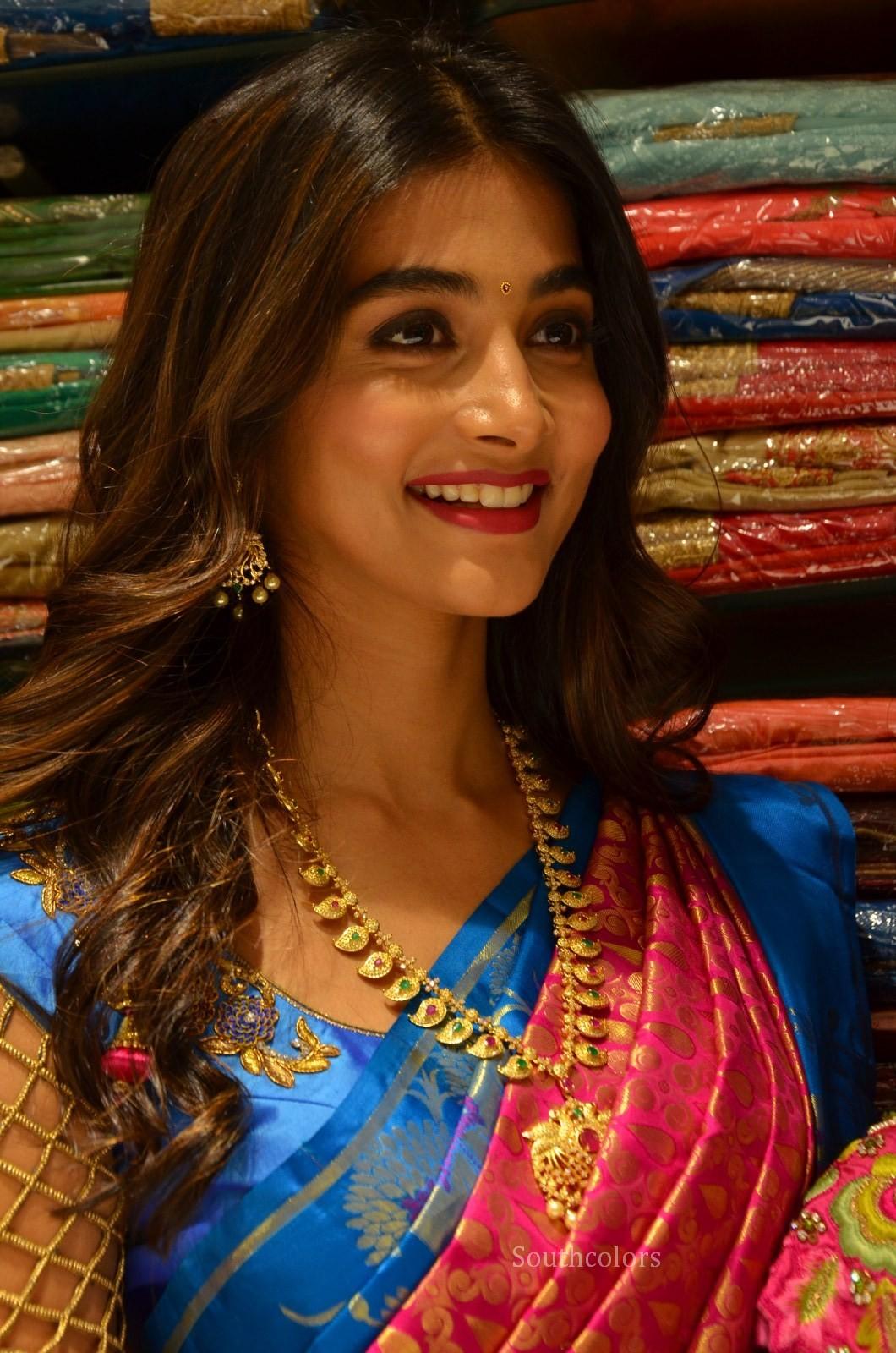 pooja hegde traditional saree photos southcolors 25