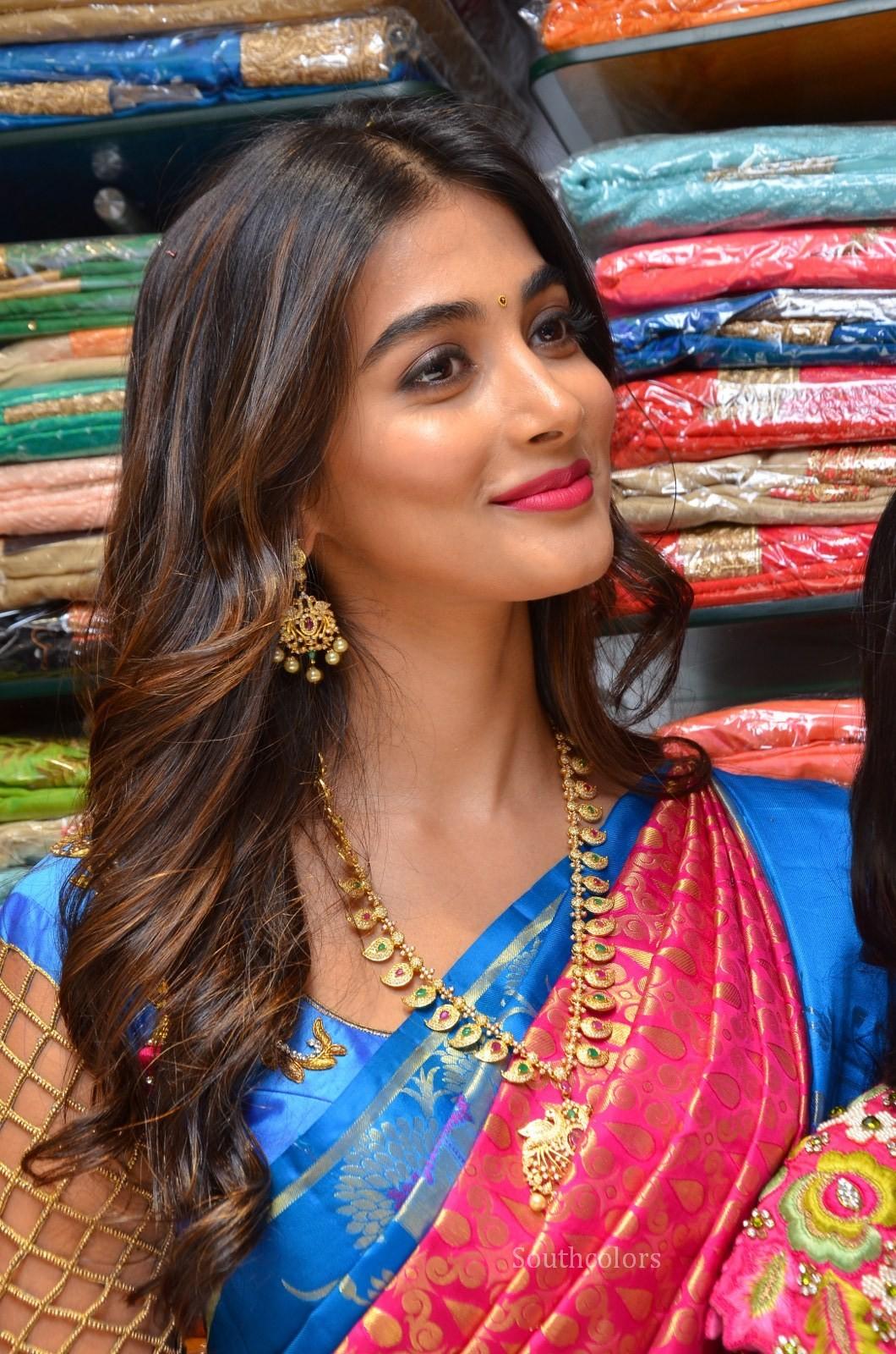 pooja hegde traditional saree photos southcolors 26