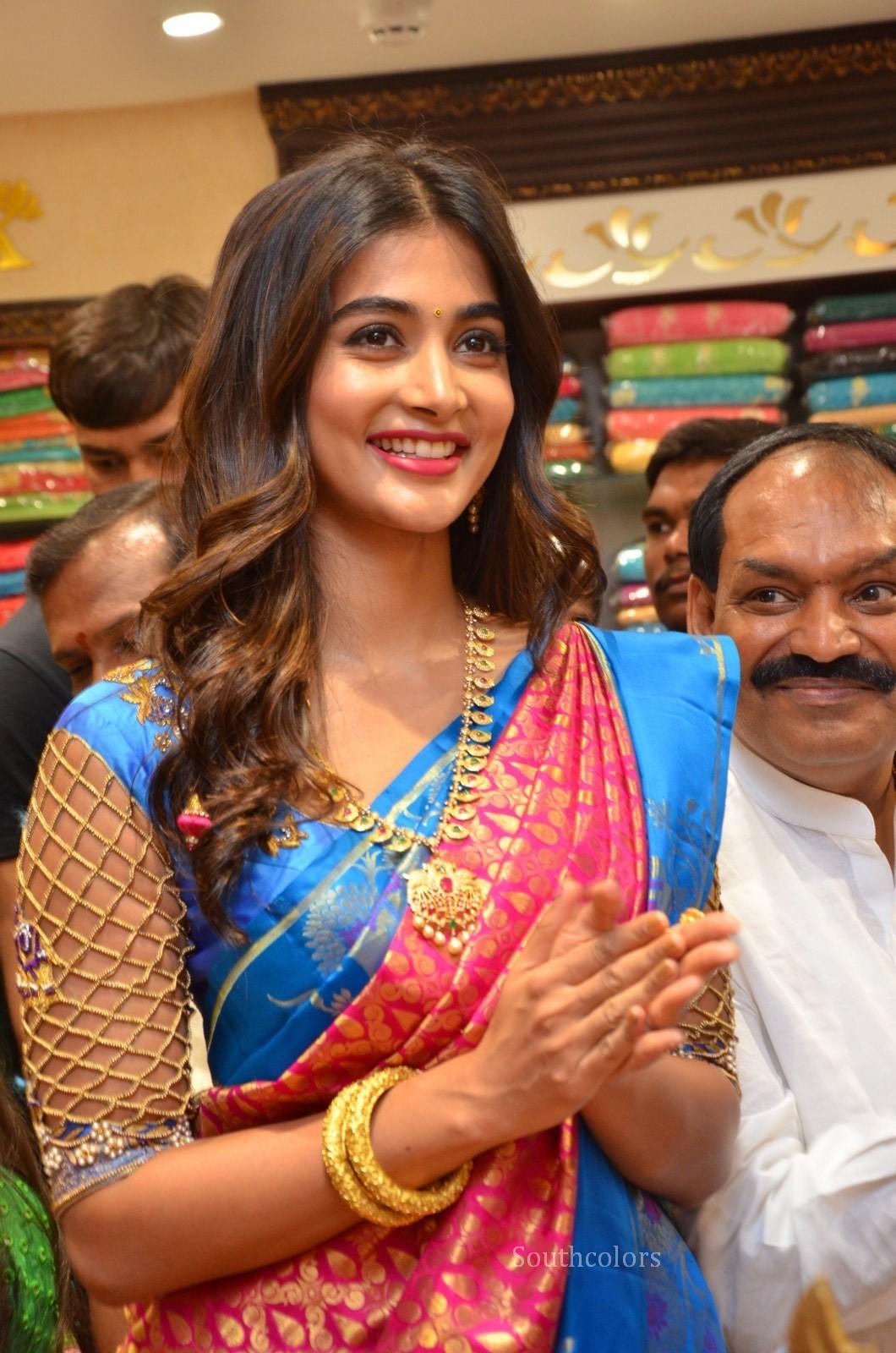 pooja hegde traditional saree photos southcolors 29