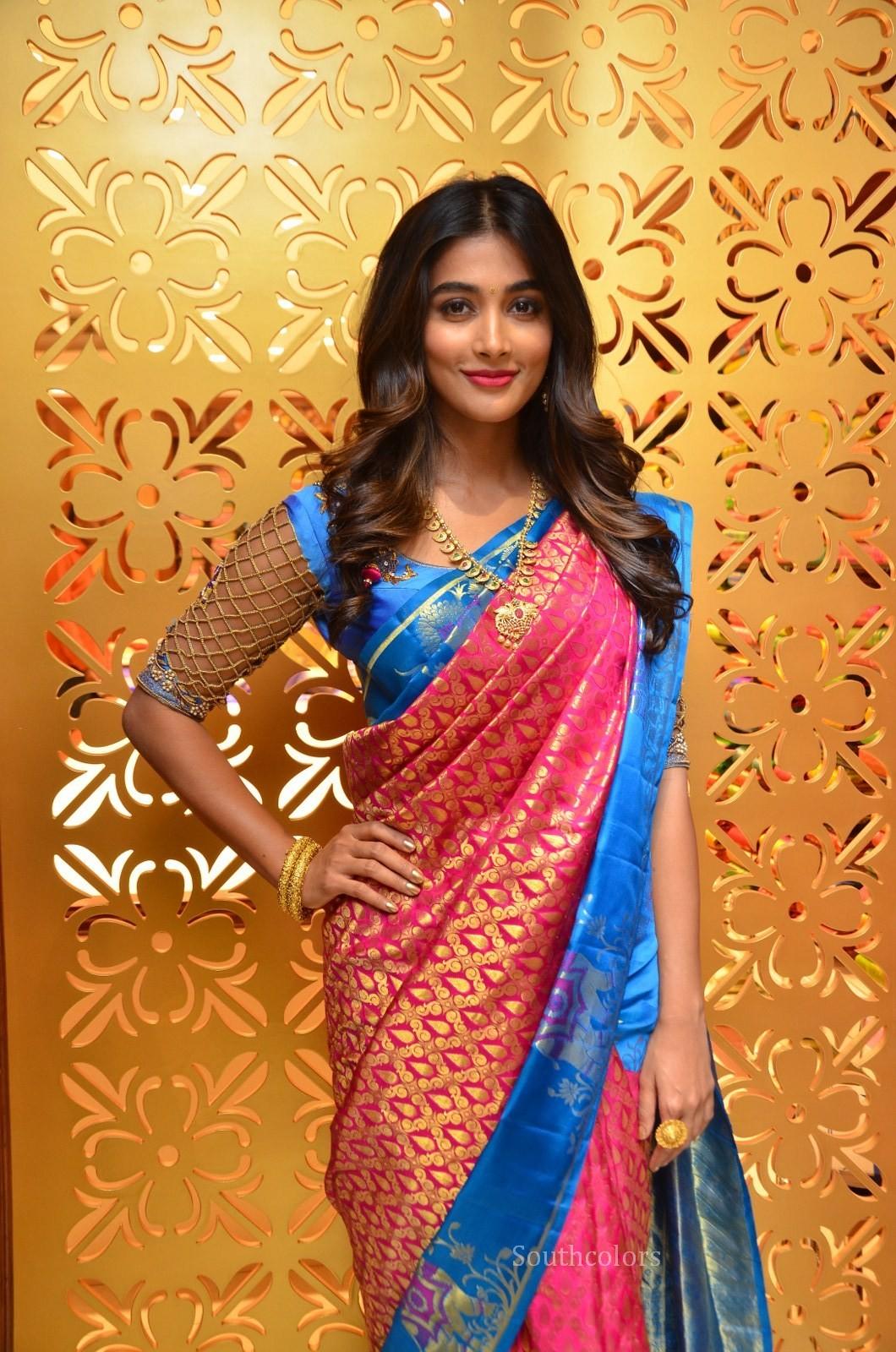 pooja hegde traditional saree photos southcolors 4