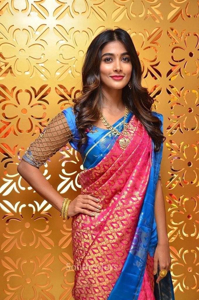 pooja hegde traditional saree photos southcolors 7