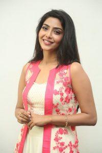 actress aishwarya lakshmi photos southcolors 14