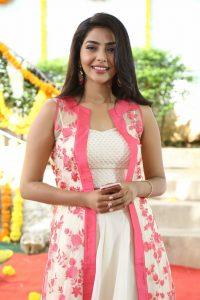 actress aishwarya lakshmi photos southcolors 18