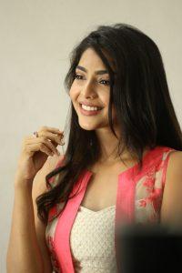 actress aishwarya lakshmi photos southcolors 2