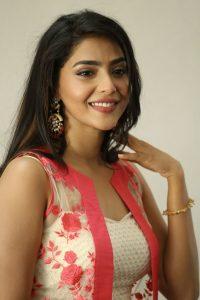 actress aishwarya lakshmi photos southcolors 20