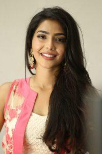 actress aishwarya lakshmi photos southcolors 22