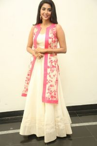 actress aishwarya lakshmi photos southcolors 6