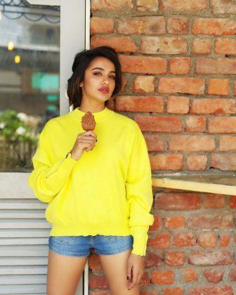 actress tejaswi madivada hot photoshoot southcolors 8