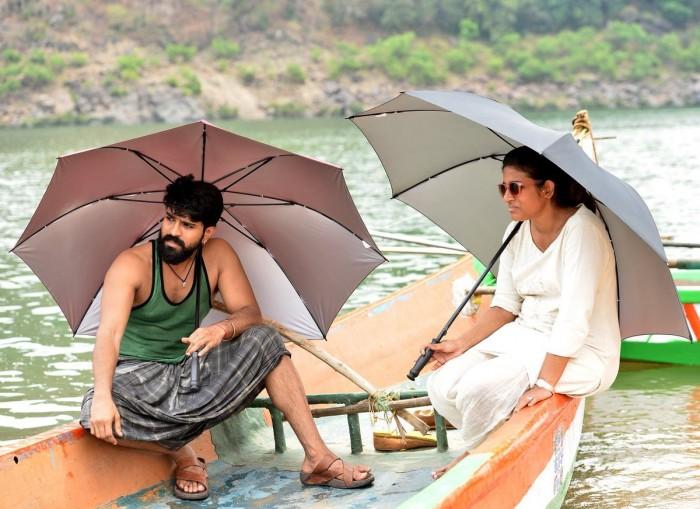 Ram Charan Desi look on Rangasthalam Shooting location
