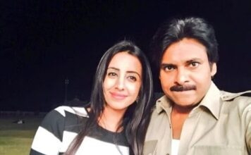 Sanjjanaa Galrani Wants to Watch Agnyaathavaasi First Day First Show