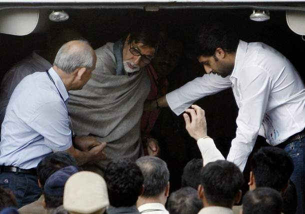 Amitabh Bachchan Admitted to Lilavati Hospital
