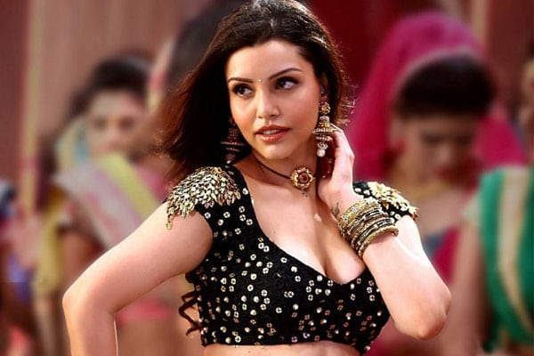 Actress Kyra Dutt in Guntur Talkies Movie Sequel