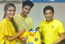 Priya Prakash Varrier Met Sachin Tendulkar at ISL Match