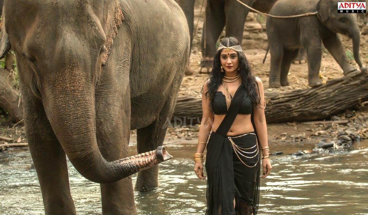 Regina Cassandra Makes Bollywood Debut