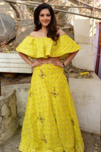 actress mehreen pirzada yellow dress latest photos 2018 14