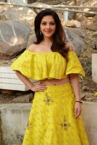 actress mehreen pirzada yellow dress latest photos 2018 5