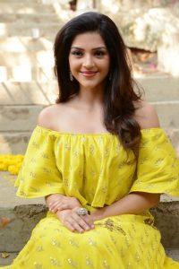 actress mehreen pirzada yellow dress latest photos 2018 7