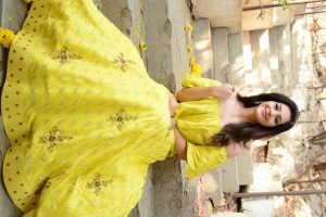 actress mehreen pirzada yellow dress latest photos 2018 8