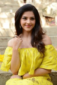 actress mehreen pirzada yellow dress latest photos 2018 9