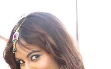 Actress Sri Reddy Hot Navel Show Photos