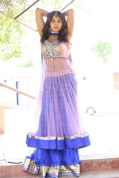 actress sri reddy hot navel show photos 30