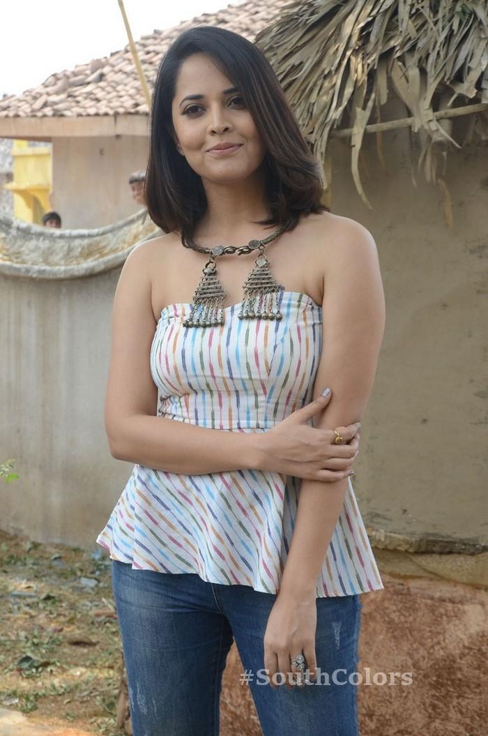anchor anasuya latest photos rangasthalam movie release press meet 4