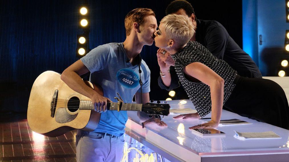 Katy Perry Kissed Benjamin Glaze American Idol Contestant