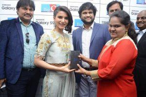 samantha launches samsung s9 mobile at kukatpally bigc photos 2