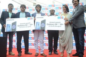 Samantha Launched Samsung S9, S9+ Mobiles at Kukatpally Big C Photos