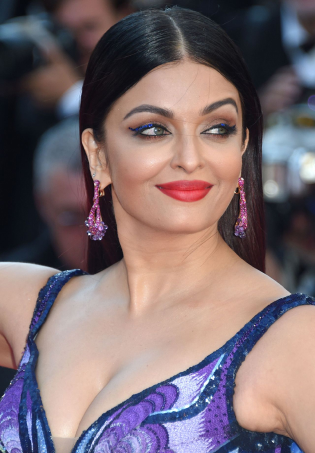 aishwarya rai bachchan hot photos at cannes film festival 2018 10