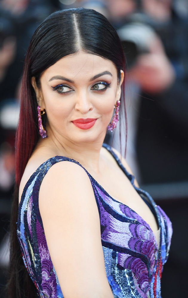 aishwarya rai bachchan hot photos at cannes film festival 2018 14